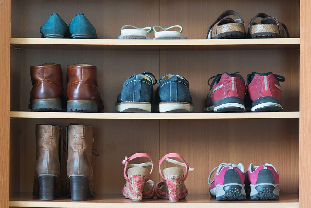 6 Tricks to Remove The Bad Smell From The Shoe Rack