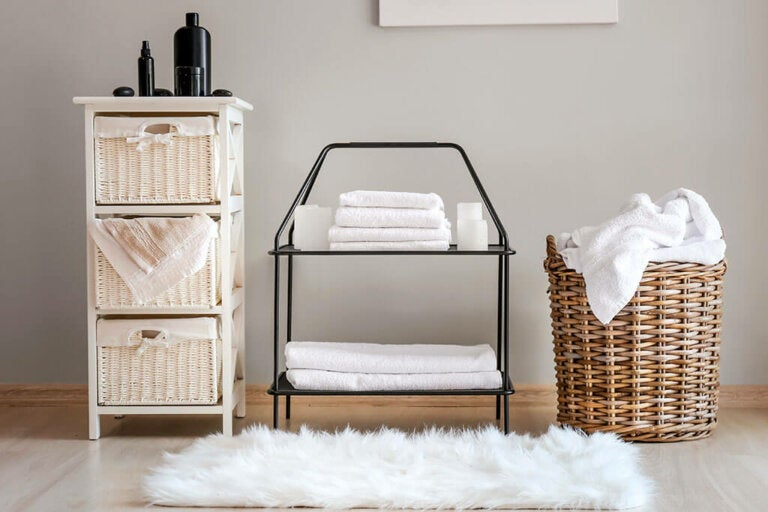 Tips for Storing Towels and Avoiding Chaos