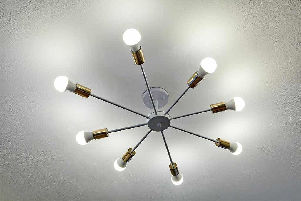Mid-Century Lamps: Lighting With Style