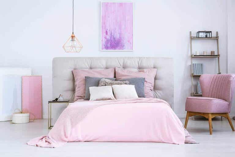 Colors to Create and Paint a Feminine Bedroom