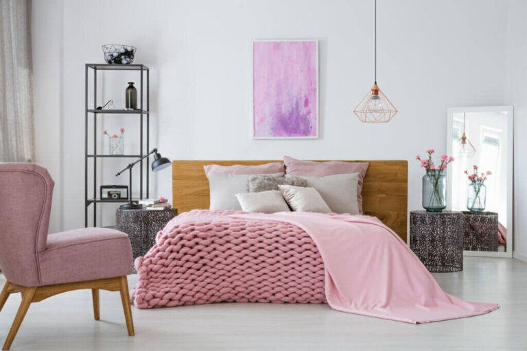 Put Your Bedroom Into Winter Mode With These Decorating Tips